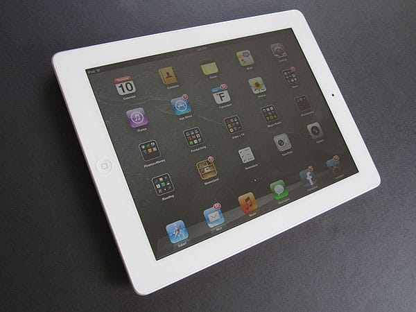 First Look: Spigen SGP Steinheil SQ Ultra Crystal Screen Protector for iPad (3rd-Gen)