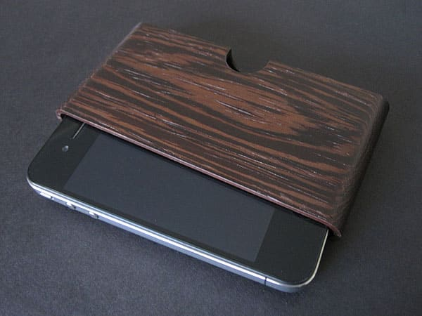 Review: Miniot Pouch for iPhone 4/4S