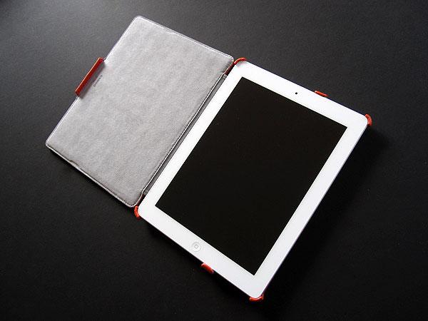 First Look: Uniq Creation Cabrio + The LBD for iPad 2/iPad (3rd-Gen)