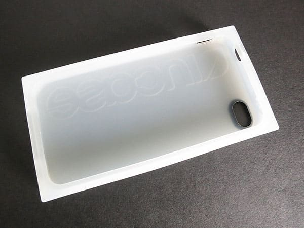 Review: Incase Box Case for iPhone 4/4S