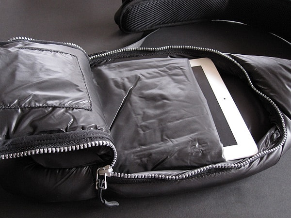 Review: iSkin 3 Degree, Summit + Sling for iPad + iPad 2