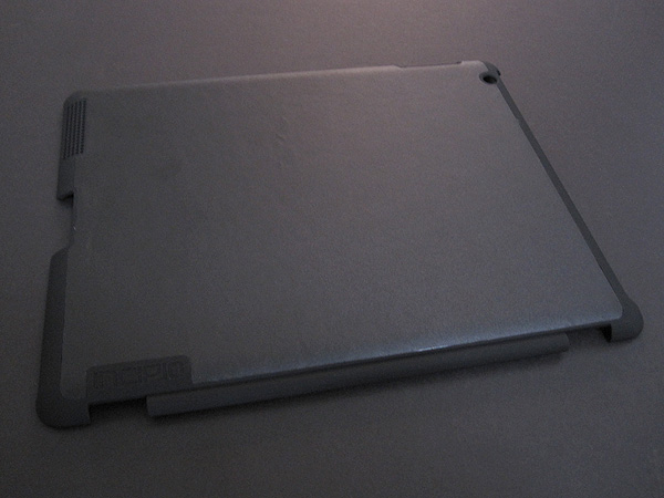 First Look: Incipio LGND Smart Feather for iPad 2