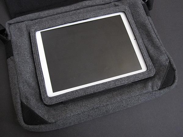 Review: Hex Varsity Messenger Bag for iPad