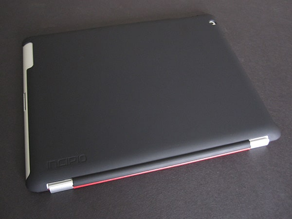 Review: Incipio Smart Feather for iPad 2