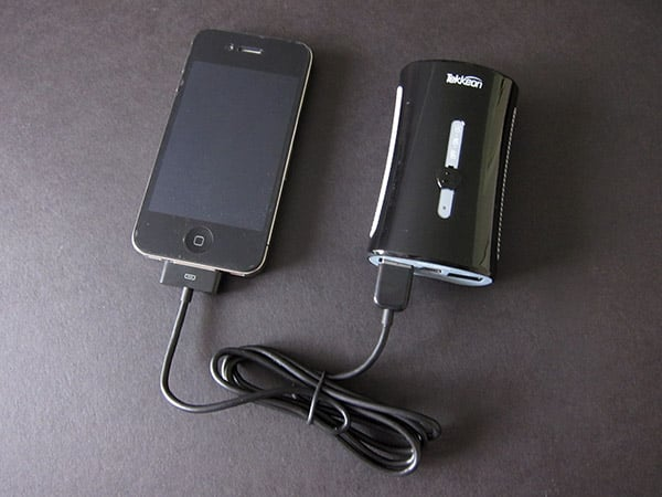 Review: Tekkeon TekCharge MP1860A Dual-Port Emergency Charger for iPad, iPhone + iPod