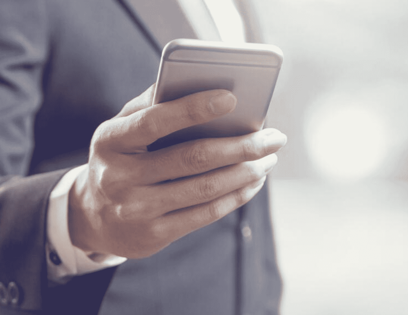 7 Ways to Use Smartphone to Conduct Your Business