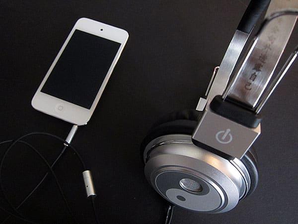 First Look: BigR Audio Bruce Lee SML-BL1 + Madison Avenue Headphones