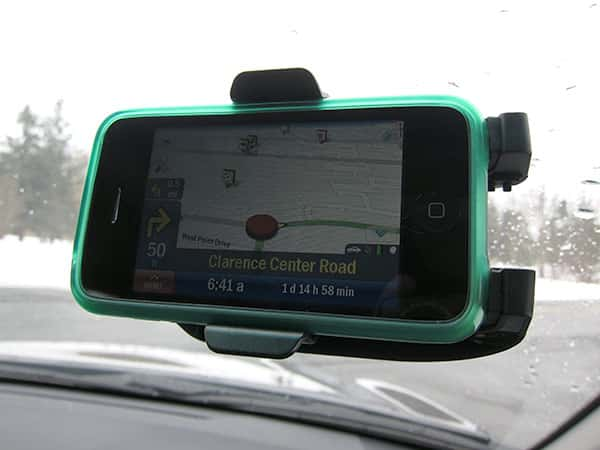 First Look: Kensington Dash/Friction Mount with Sound Amplified Cradle for iPhone