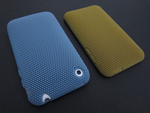 First Look: Incipio Q and MicroTexture Cases for iPhone 3G/3GS + iPod touch