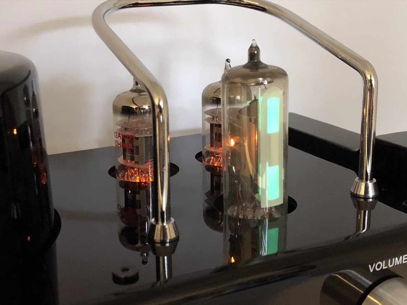 Review: Solis SO-8000 Stereo Bluetooth Vacuum Tube Audio System