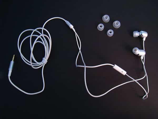 Review: Radius Atomic Bass, Atomic Bass for iPhone + Radius Live Earphones