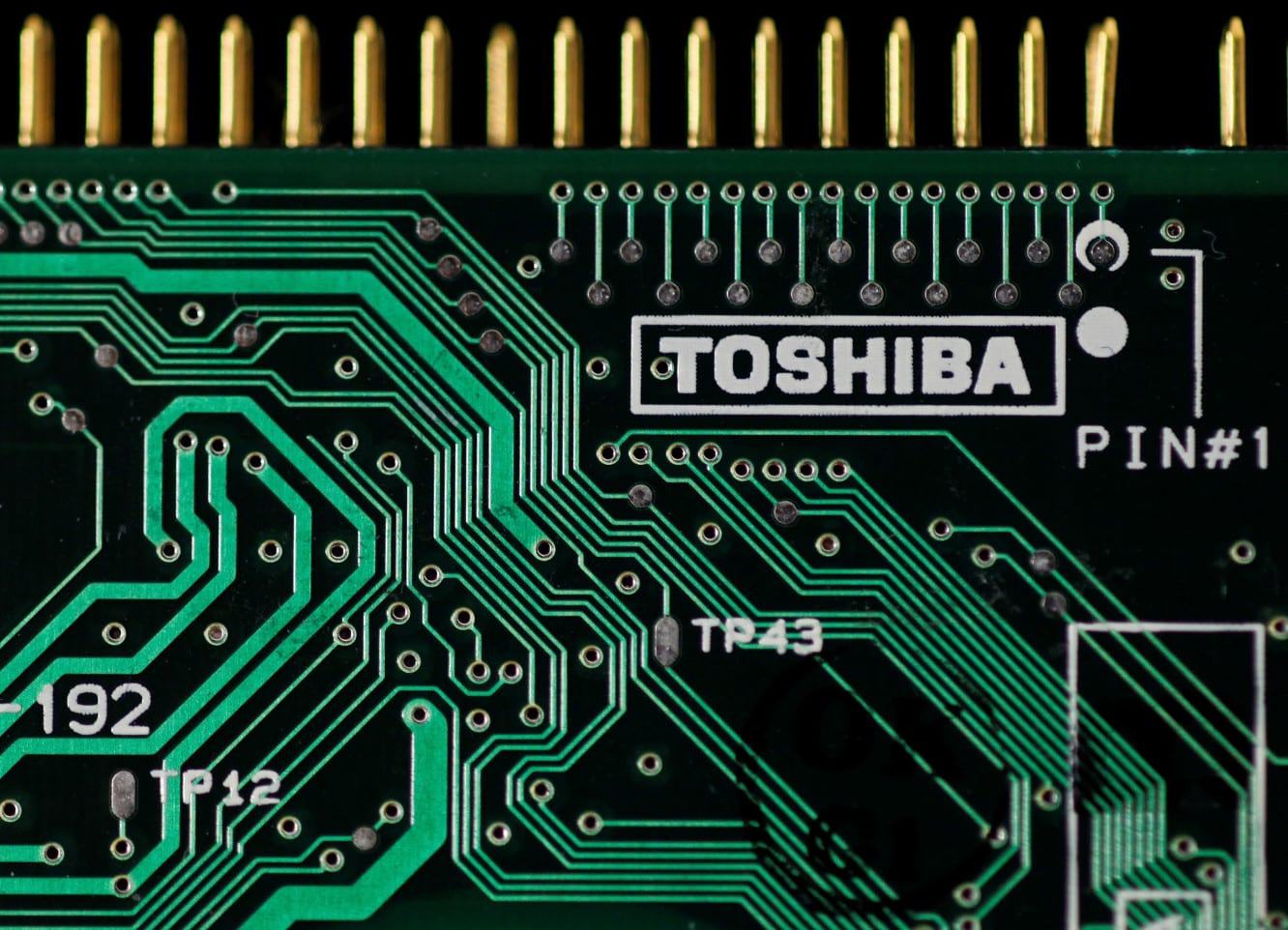 Toshiba nears deal to sell chip business to group that includes Apple