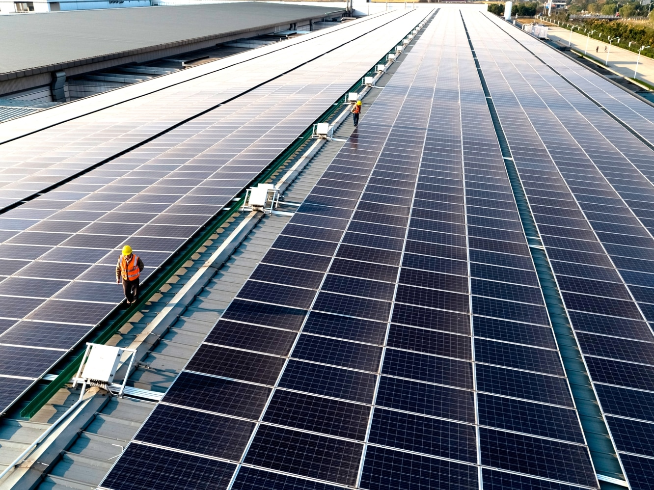 Apple joins with suppliers to create China Clean Energy Fund