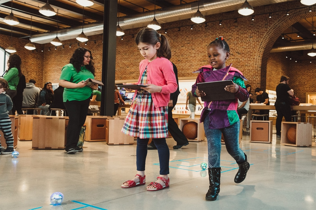Apple launching free 'Hour of Code' sessions at Apple Stores next week