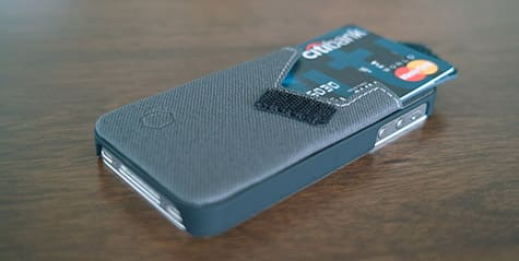Arctic offers Wallet Stand for iPhone 4, 4S