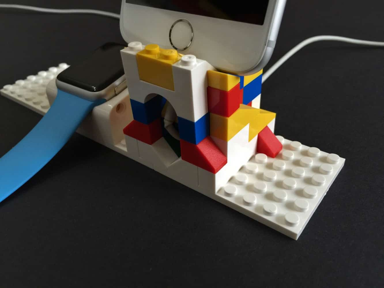Review: SwitchEasy Blocks Customizable Dock Building Set for Apple Watch