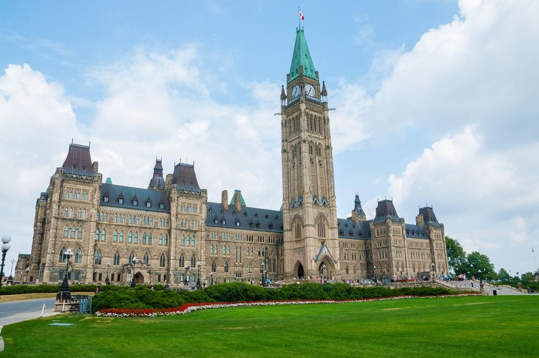 Apple testifies before Canadian Parliamentary Committee on iPhone slowdown issue
