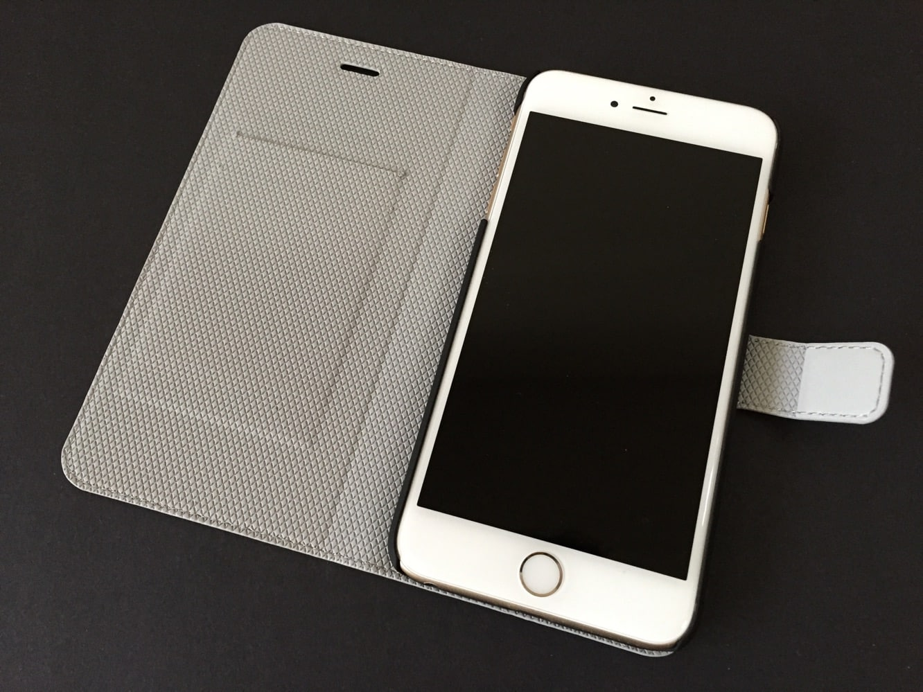 Review: Chil Attraction Jacket for iPhone 6 and iPhone 6 Plus