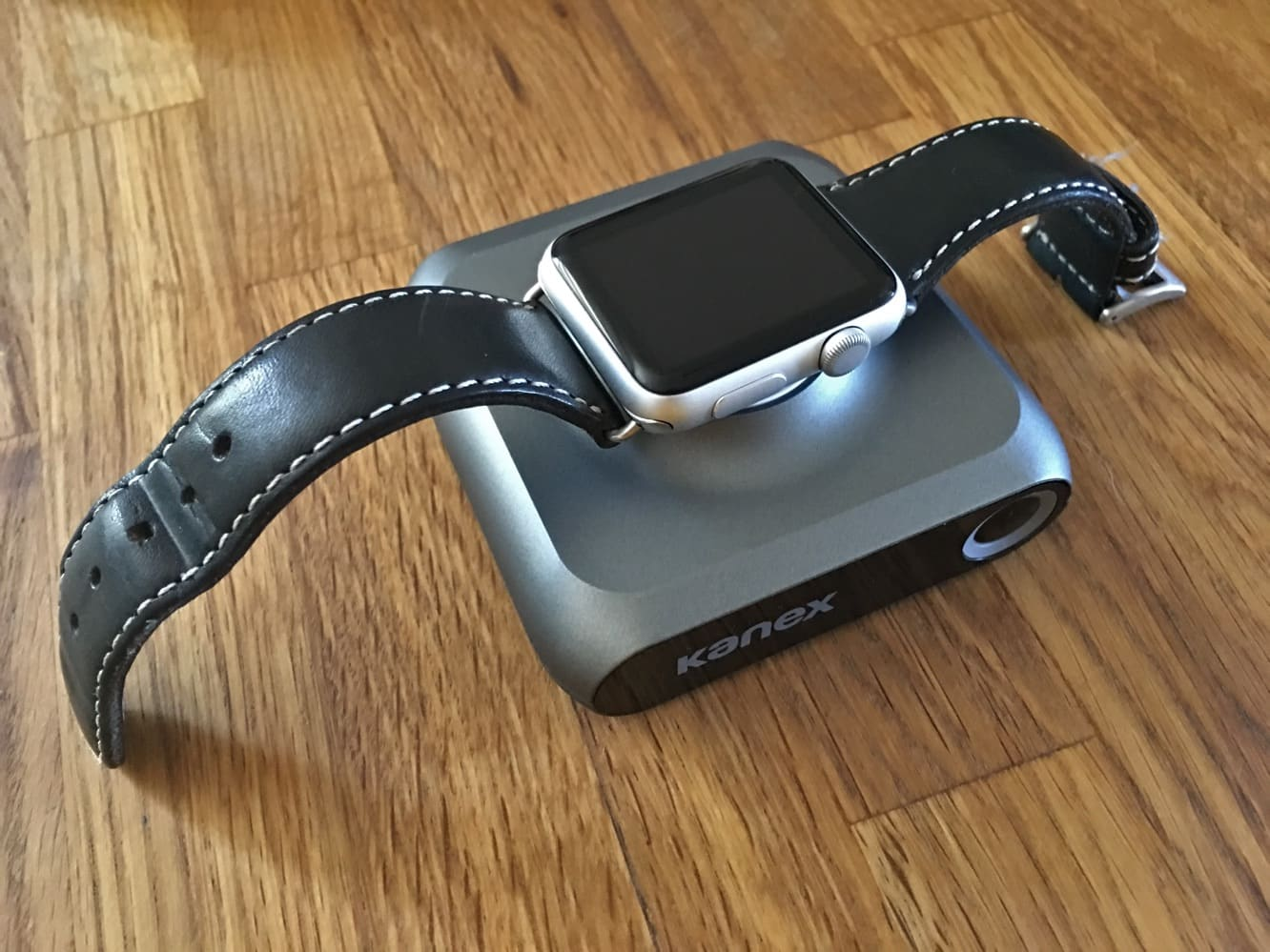 Review: Kanex GoPower Watch Portable Battery for Apple Watch