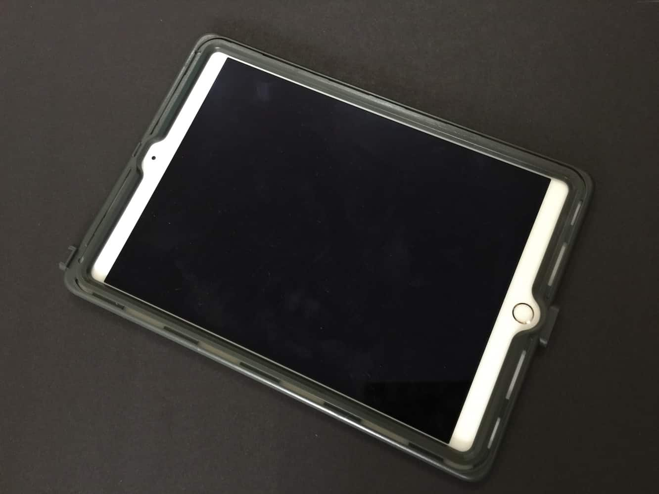 Review: Gumdrop Cases Glass Tech Hideaway Case for iPad Air 2