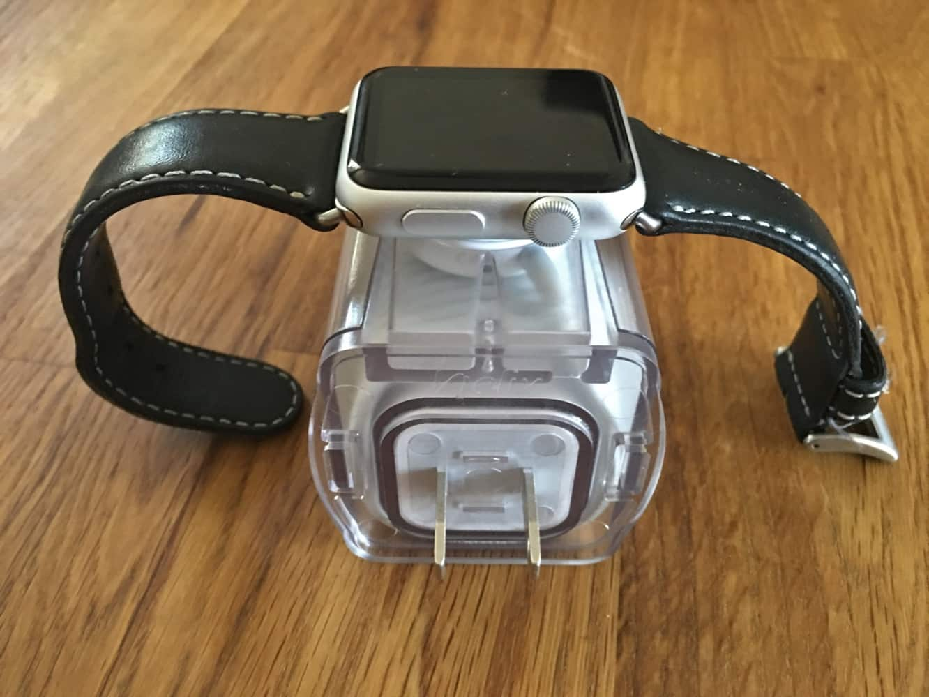 Review: Standzout Helix Dock for Apple Watch