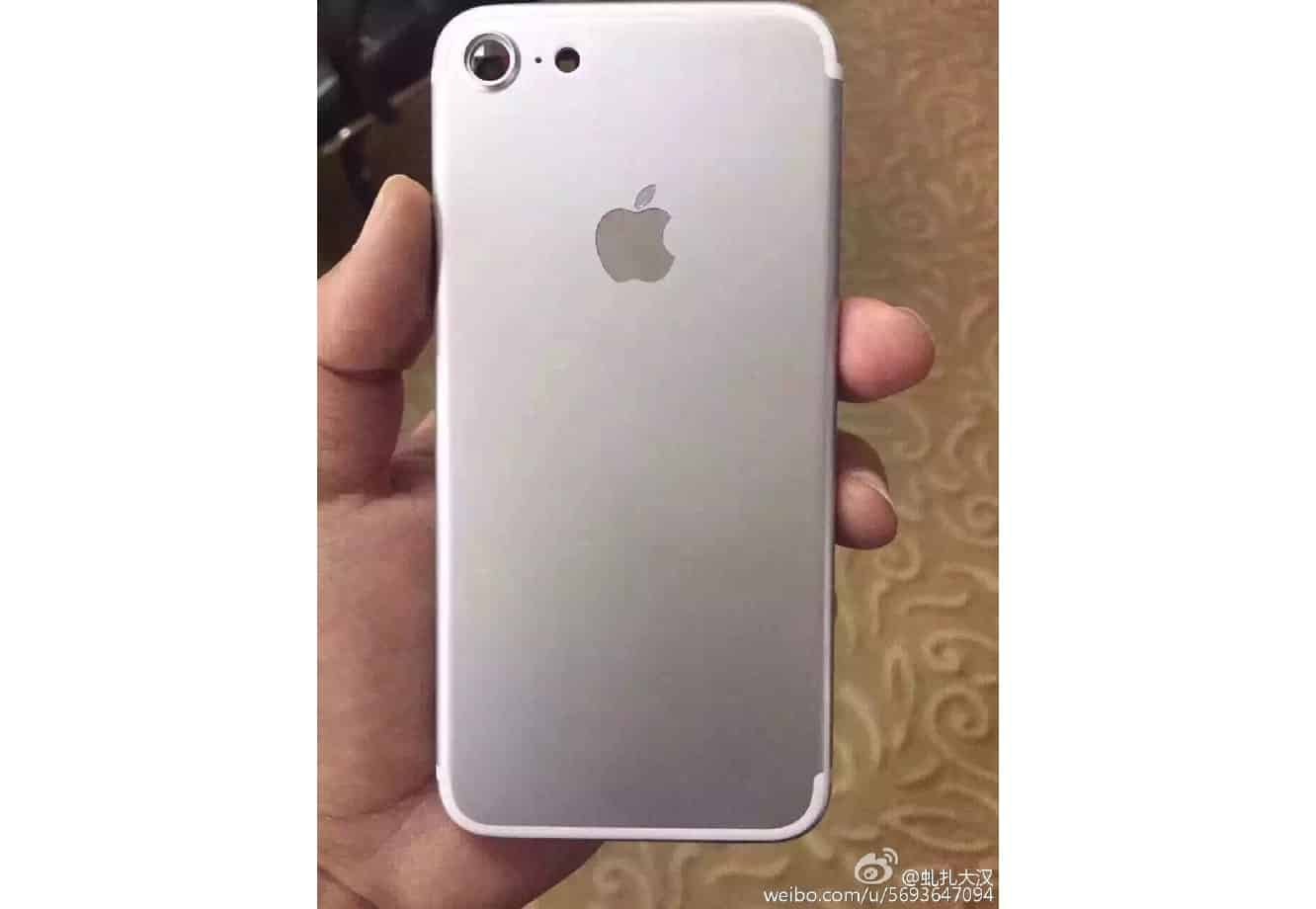 More iPhone 7 leaks surface, protruding camera seen