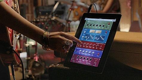Apple airs new iPad 2 TV ad, 'Love'