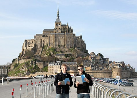 Photo of the Week: iPad 2 in France