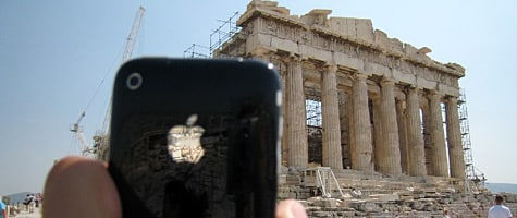 Photo of the week: iPhone 3G in Greece