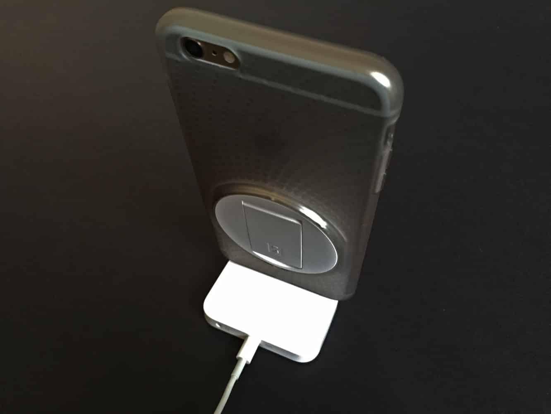 Review: Apple iPhone Lightning Dock