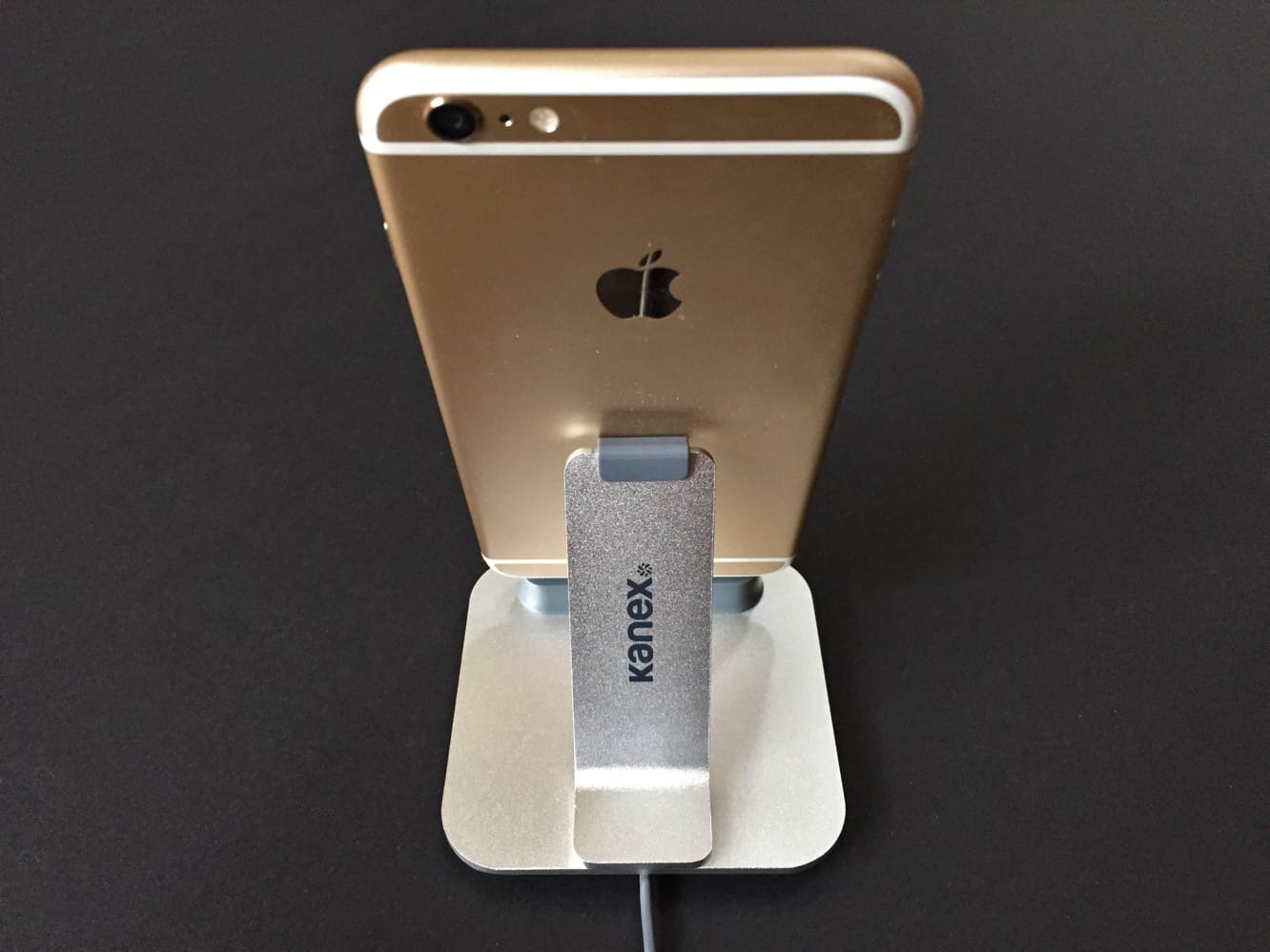 Review: Kanex iPhone ChargeSync Dock for iPhone 6 + iPhone 6 Plus