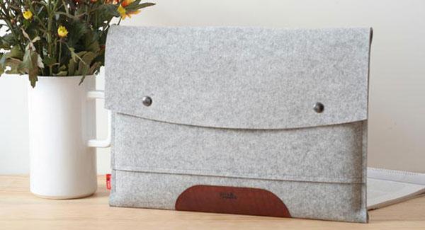 "Pack & Smooch Laptop Sleeve ""Hampshire"""