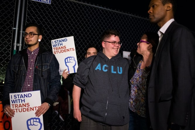 Apple signs brief supporting transgender student in Supreme Court case