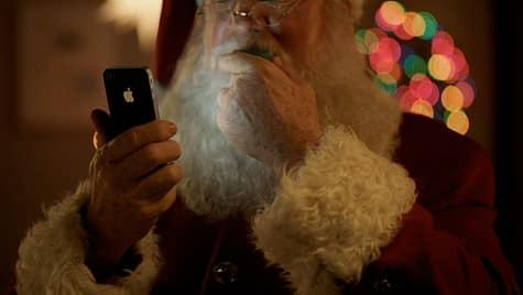 Apple airs new iPhone 4S TV ad: 'Santa'