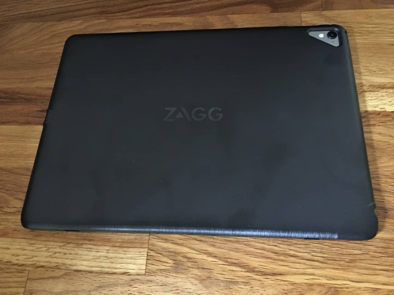"""Review: Zagg Slim Book for 9.7"""" iPad Pro"""