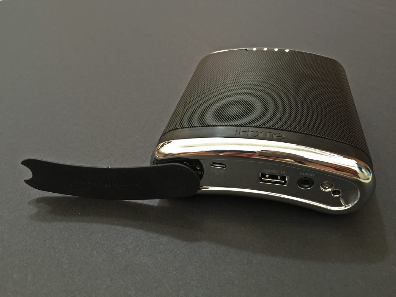 Review: iHome SoundFlask iBT32 Bluetooth Speaker