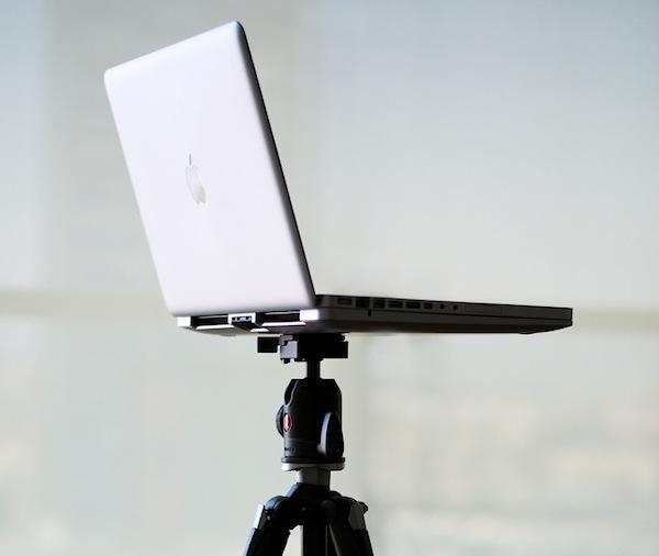 Madminds The Tilt Cooling Stand for MacBook Pro