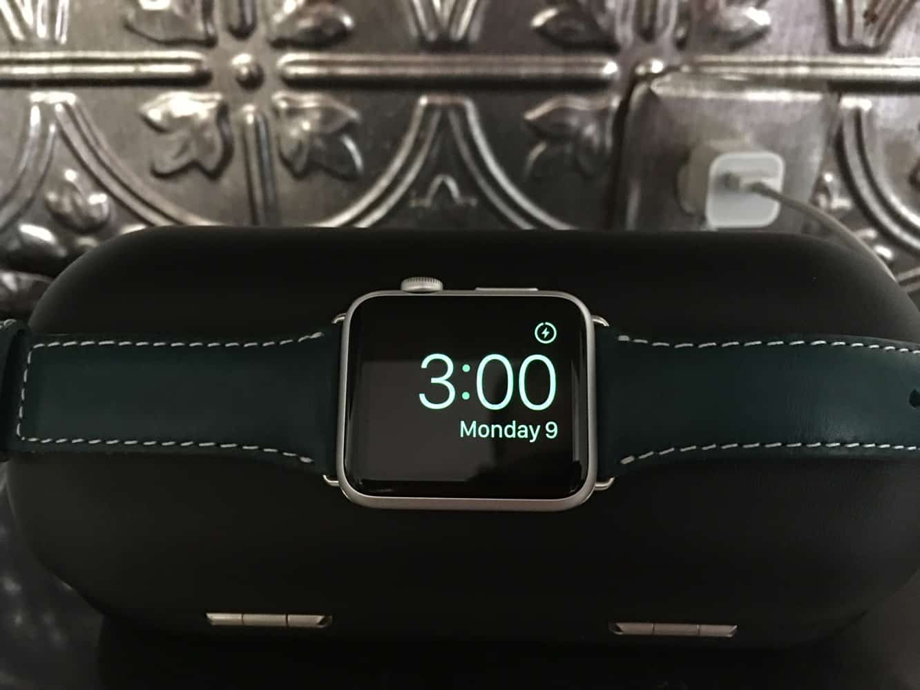 Review: Twelve South TimePorter for Apple Watch