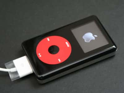 Review: Apple iPod U2 Special Edition (Color) Review