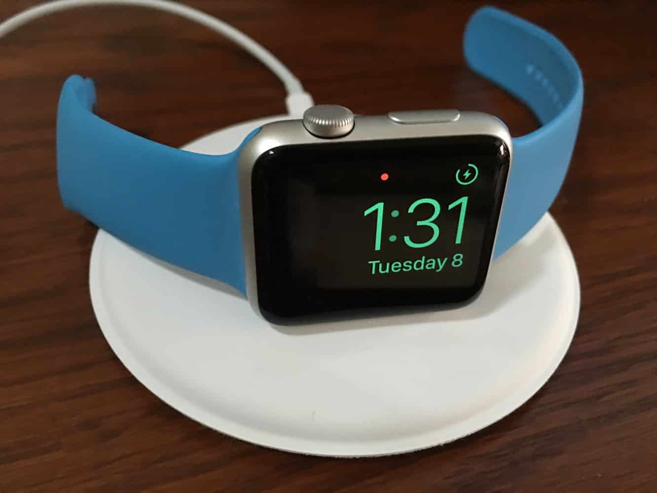 Review: Apple Watch Magnetic Charging Dock