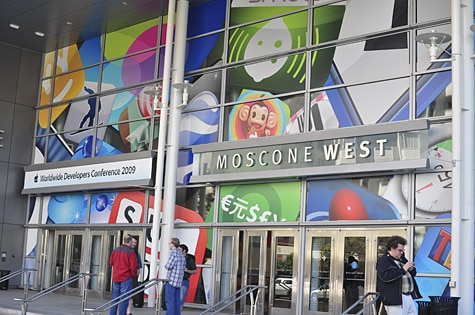 Live from WWDC 2009, starting NOW