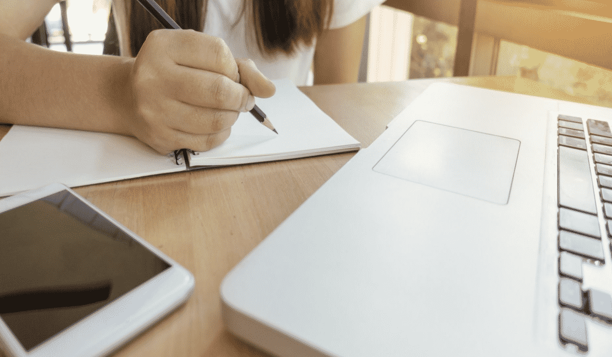The Benefits and Drawbacks To Utilising An Essay Writing Service
