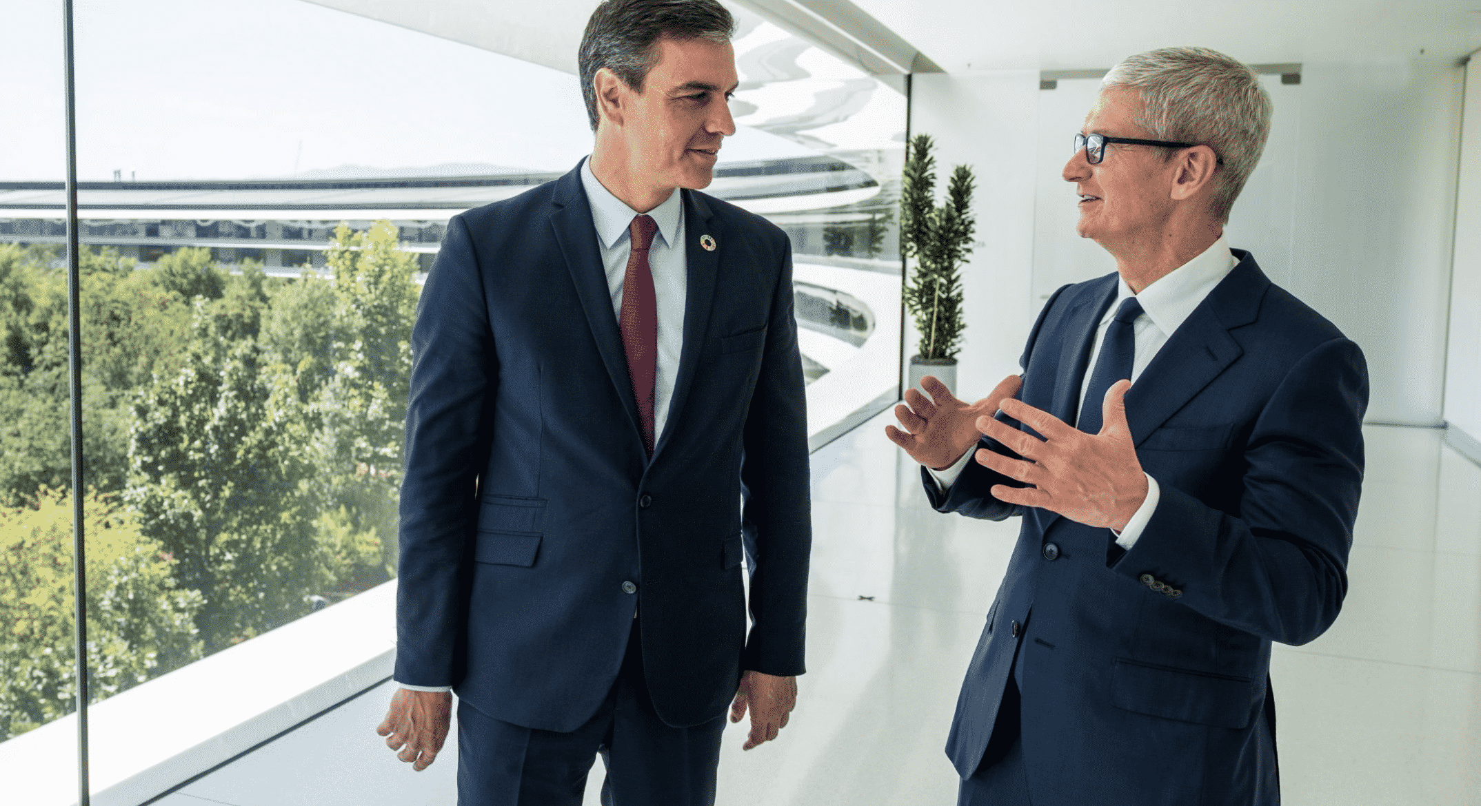 Tim Cook and Spain PM