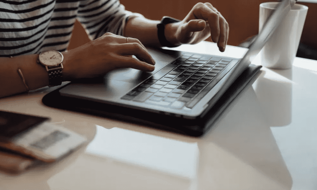 Top 7 Apps to Boost Your Writing Skills