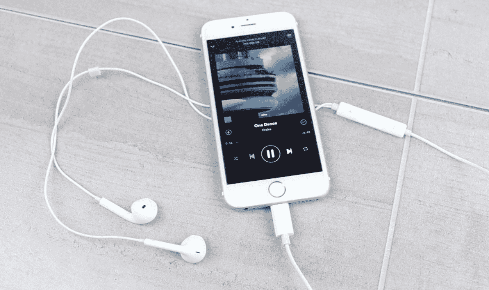 """""""My Headphone is Not Working in iPhone"""" Issue Resolved!"""